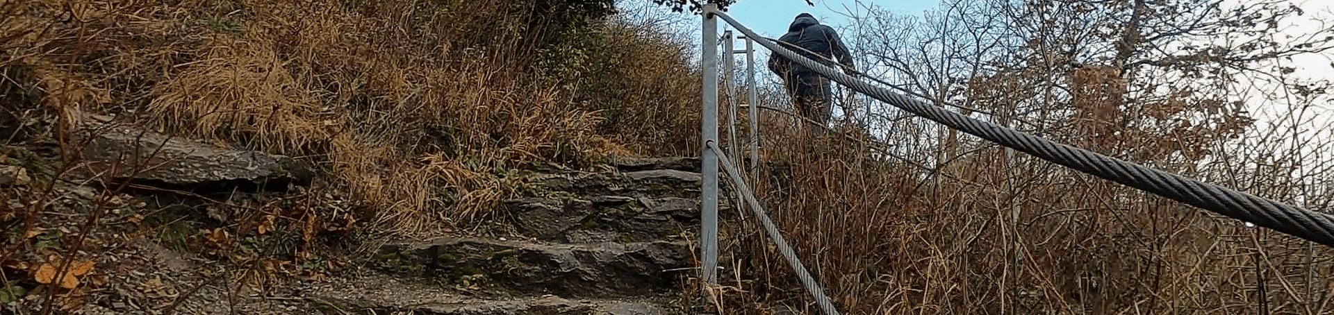 Der Burgaufstieg für Besucher