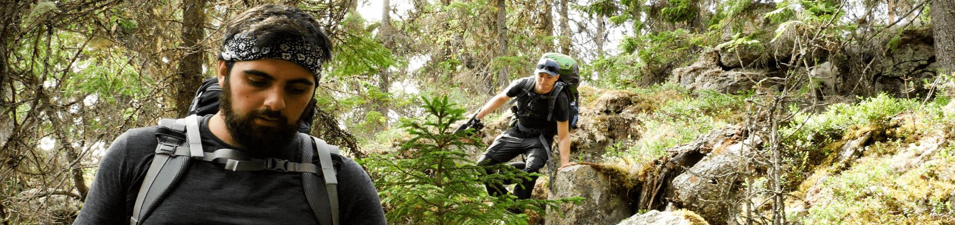 Giuli und Markus durchqueren schwierige Naturlandschaften in Schweden