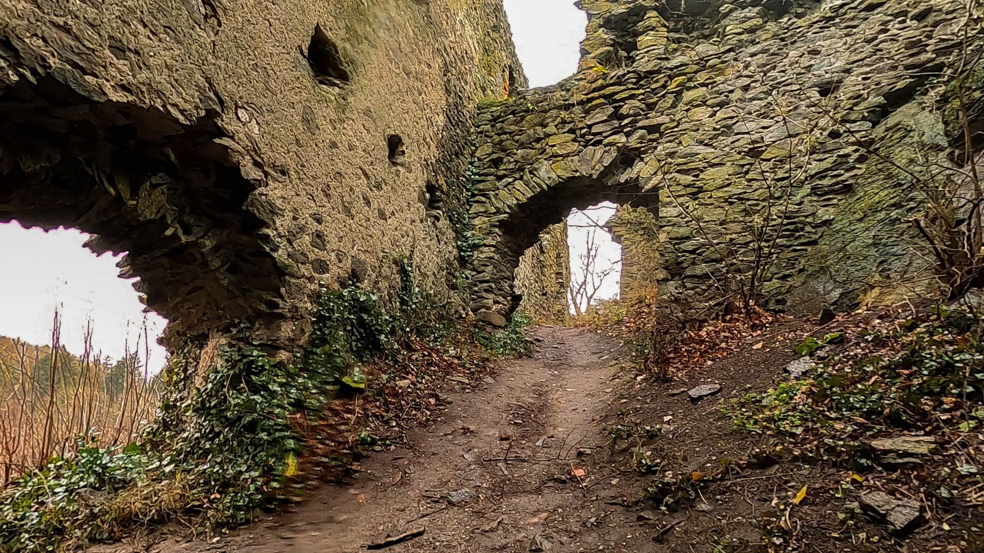 Der Eingang der Burg Hohenkrähen