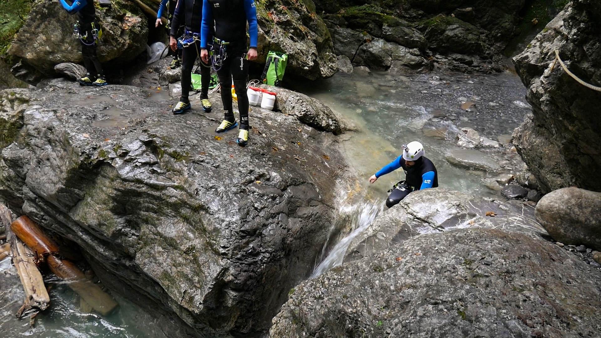 Eine Felsrutsche in der Canyoningschlucht in Dornbirn