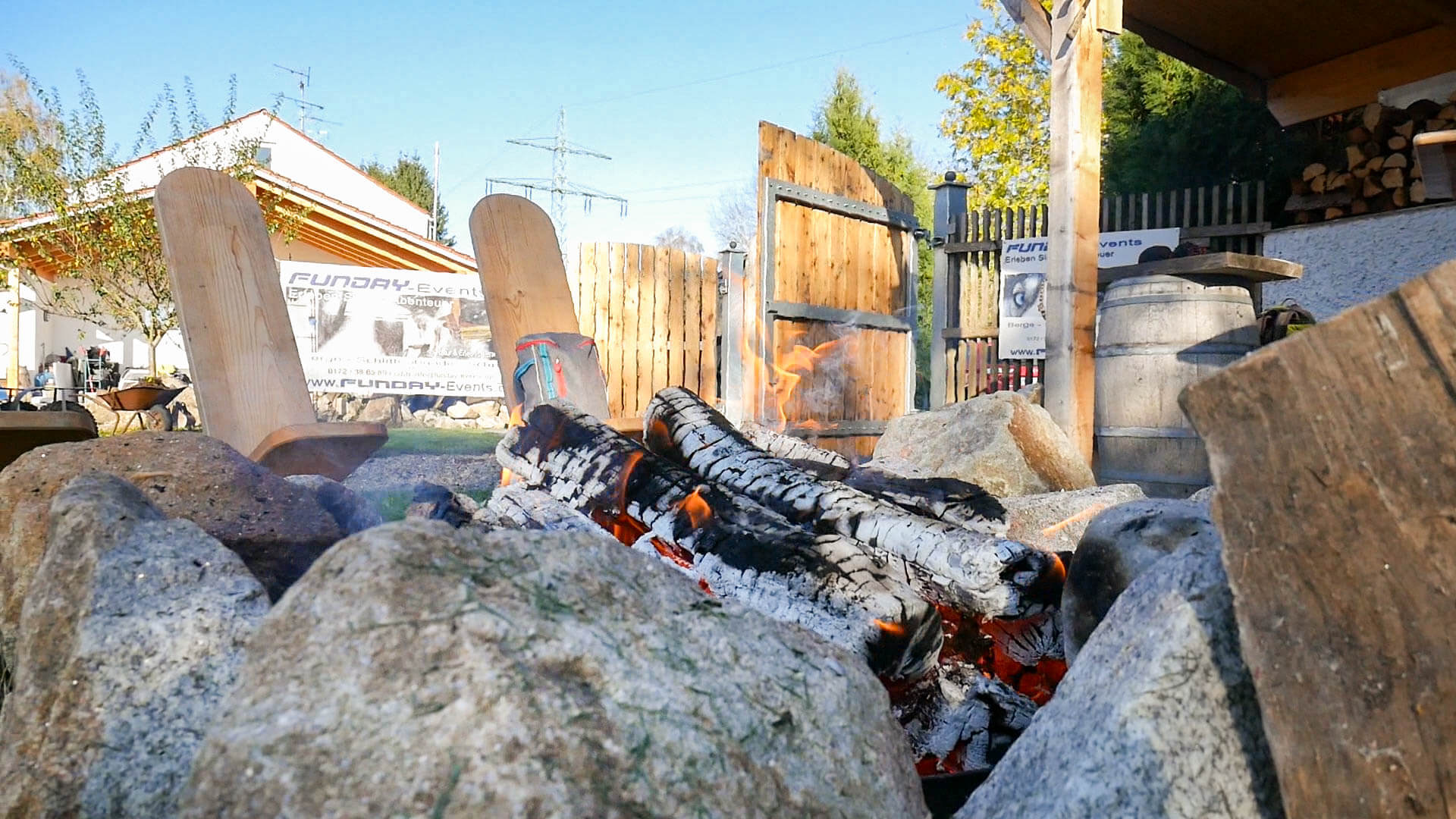 Das Lagerfeuer bei Funday-Event am Tag